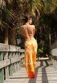 Pendientes flor naranja bikini bragas — Foto de Stock