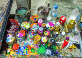 Brushes and cans of paint — Stock Photo
