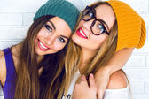 Portrait of two young hipster girls — Stock Photo