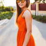 Stylish woman posing at countryside — Stock Photo #75374267