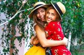 Two happy pretty young sisters — Stock Photo