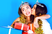 Funny girls at holiday night party — Stock Photo