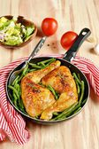 Roasted chicken legs with green beans — Stock Photo