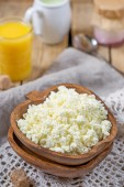 Homemade cottage cheese with orange juice — Stock Photo