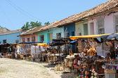 Typische souvenir straatmarkt in trinidad — Stok fotoğraf