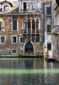 Traditional venetian canal — Foto de Stock
