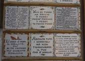 Traditional Amalfi hand painted ceramics, with phrases — Stock Photo