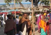 Crowd of people walking at Pushkar — Stock Photo