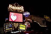 Las Vegas Harrahs entry at night — Stock Photo