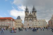 PRAGUE, CZECH REPUBLIC - AUGUST 28, 2011: The central square wit — Stock Photo