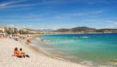 View of the beach in Nice, France, near the Promenade des Anglai — Stock Photo