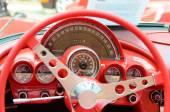 面白いオリジナル ホイール dr とレトロな車の美しいデザイン — ストック写真