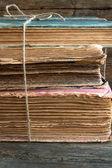 Uma pilha de velhos livros — Foto Stock