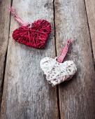 Rood hart op een houten achtergrond — Stockfoto