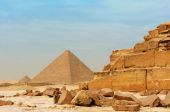 The pyramids at Giza — Stock Photo