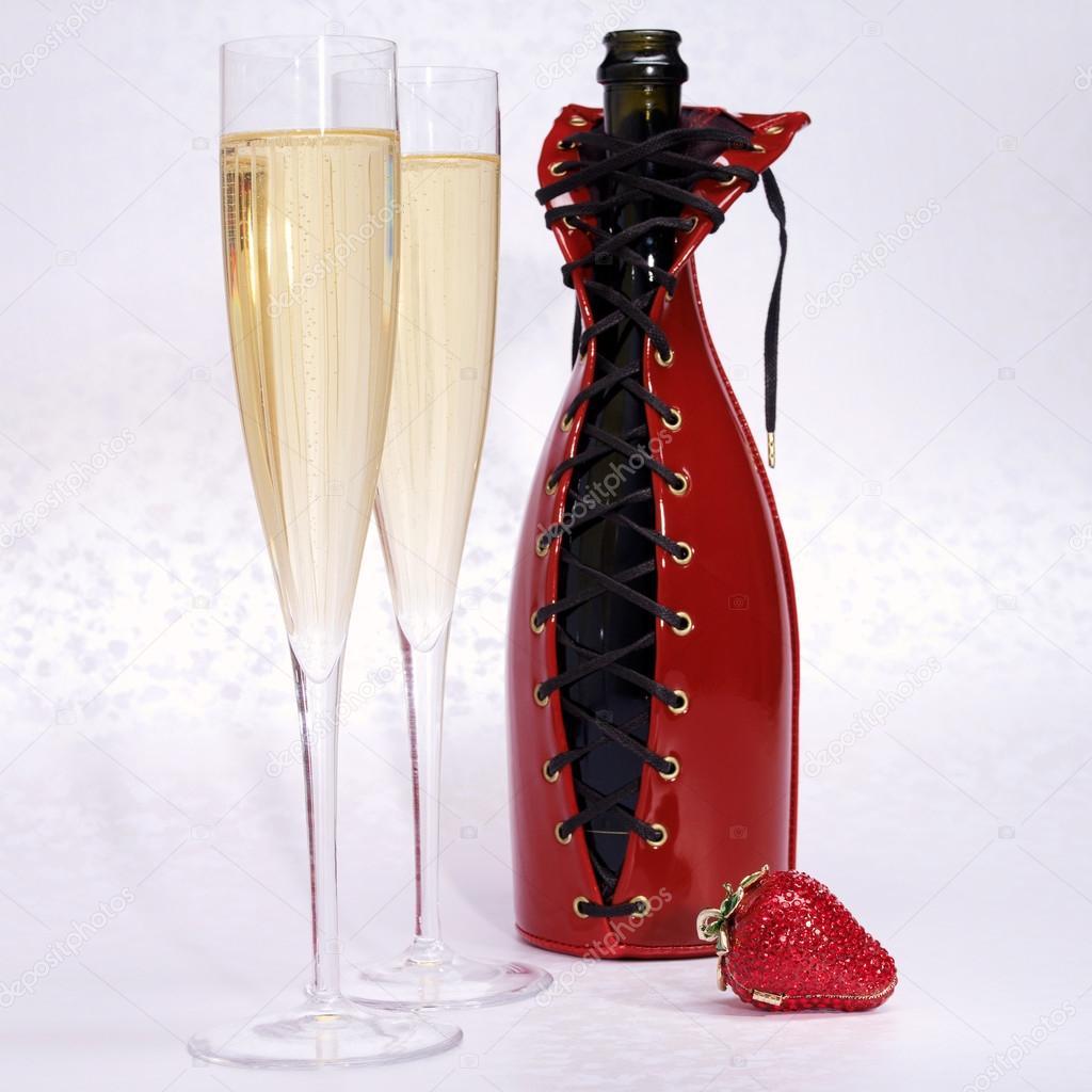 Красиво оформить бутылку вина в подарок