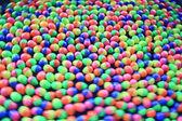 Kolorowe plastikowe jajka — Zdjęcie stockowe