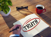 Businessman Brainstorming About Truth — Foto Stock
