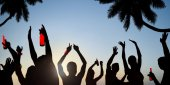 Silhouettes of Young People Celebrating — Stock Photo