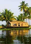 Houseboat on Kerala backwaters — Stock Photo