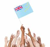 Human hand holding Tuvalu flag — Fotografia Stock