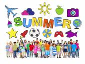 Multi-Ethnic Group of Children with Summer Concepts — Stock Photo