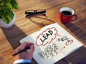 """Επιχειρηματίας """"brainstorming"""" για την ηγεσία — Φωτογραφία Αρχείου"""