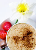 Coffee mocha with strawberries — Stock Photo