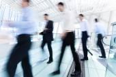 Ludzie biznesu w ruchu — Zdjęcie stockowe