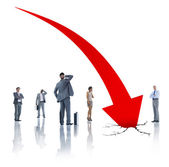 Business people and arrow Moving Down — Stock Photo