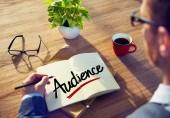Businessman Writing 'Audience' — Stock Photo