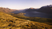 Lake Wakatipu and mountain range — Foto de Stock