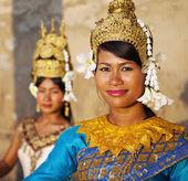 Cambodian aspara dancers — Stock Photo