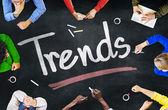 Ludzi dyskusji o trendach — Zdjęcie stockowe