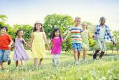 Children walking in Park — Stock Photo