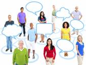 People Standing With Empty Speech Bubbles — Stock Photo