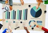 Business People Market Analysis — Stockfoto