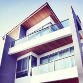 Contemporary Residential Building — Stock Photo
