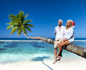 Couple Relaxing on Beach — Stock Photo