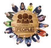 Multiethnischen Menschen bilden Kreis — Stockfoto