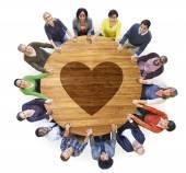Människor med hjärta form — Stockfoto