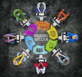 People and Social Media Concept — Stock Photo