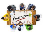 Lidé s konceptem Brainstorm — Stock fotografie