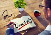 Businessman with Note About Creativity — Stock Photo