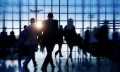 Business People in the Airport — Stock Photo