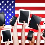 Manos con dispositivos Digital en Usa — Foto de Stock   #71581193