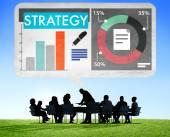 Människor diskuterar om strategi — Stockfoto