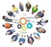Różnych ludzi wokół koncepcji pracy zespołowej — Zdjęcie stockowe