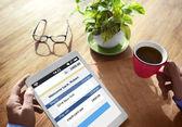 Shopping digital enhet söka internet trådlöst koncept — Stockfoto