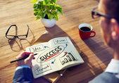 Kaufmann, brainstorming zum Geschäftserfolg — Stockfoto